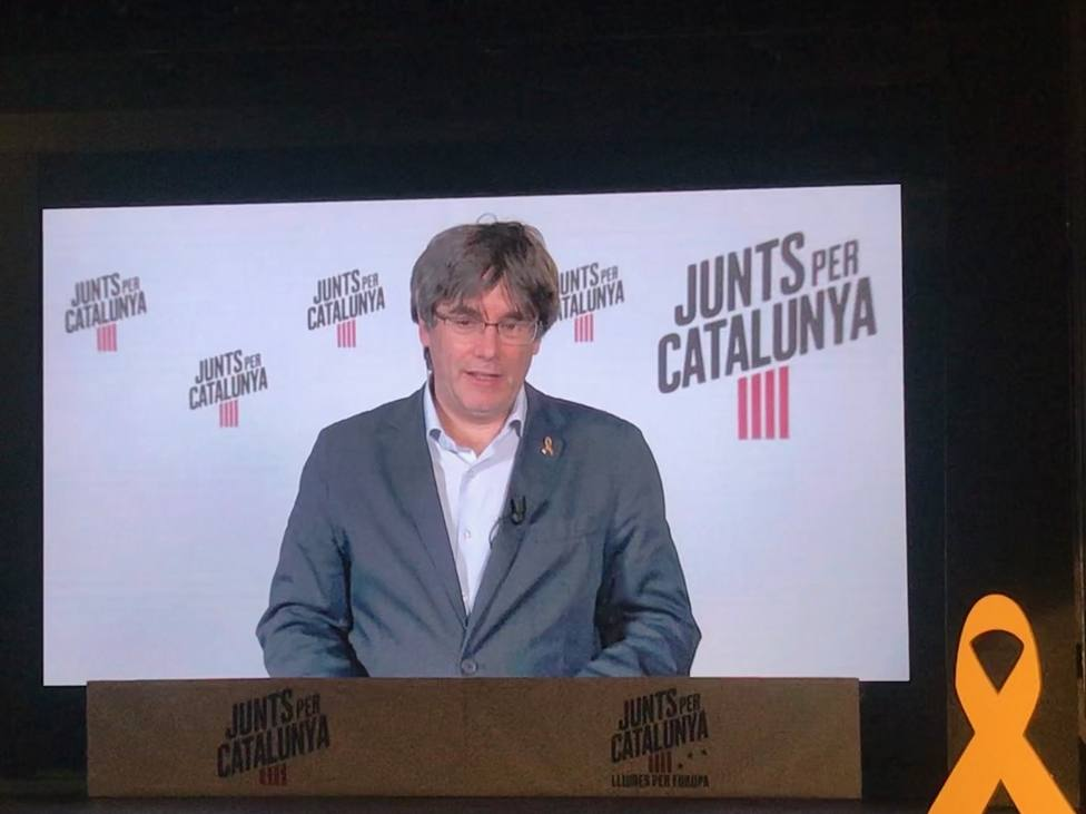 Puigdemont pide no dejar solos a los que están en la prisión y el exilio con un gran resultado
