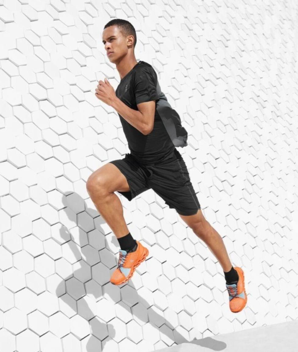 On lanza el modelo Cloudstratus, con más amortiguación para los corredores de larga distancia