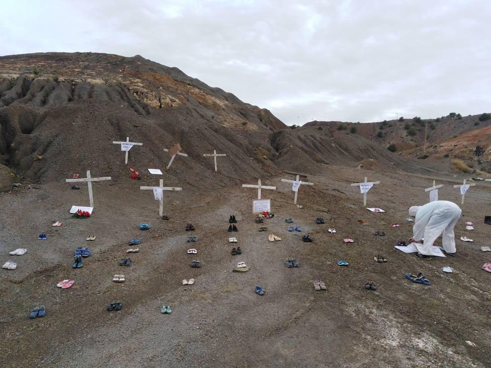 Cruces en las balsas mineras del Llano del Beal