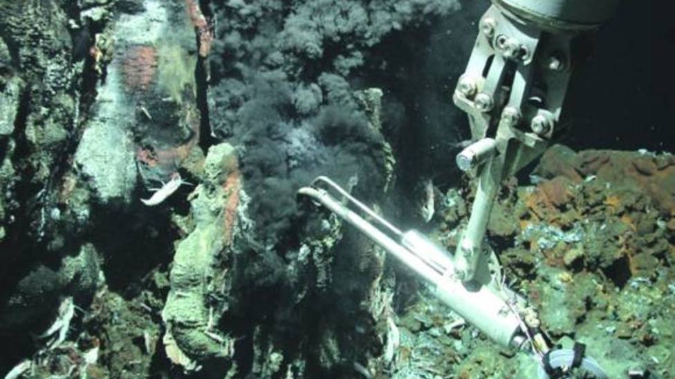 Prospección minera bajo mar canarias