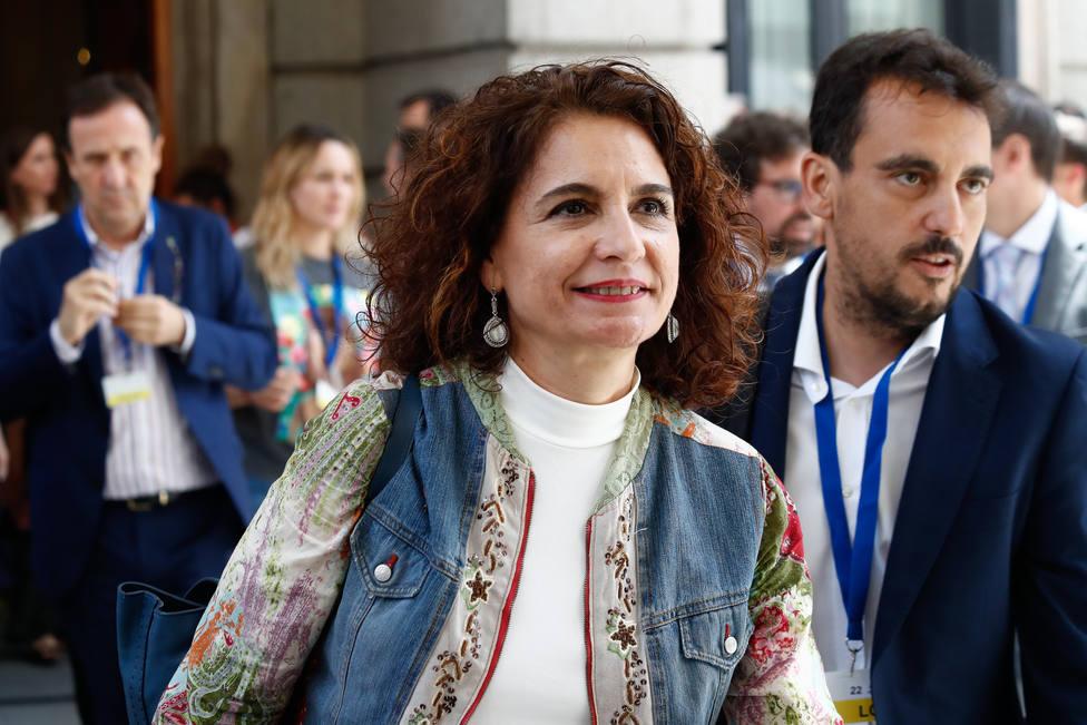 Montero pide una condena sin paulativos de Torra ante los disturbios en Barcelona