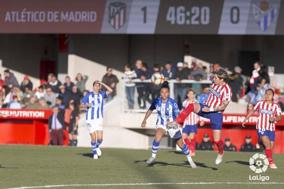 El Atlético necesitó un penalti para derrotar al Sporting (1-0)