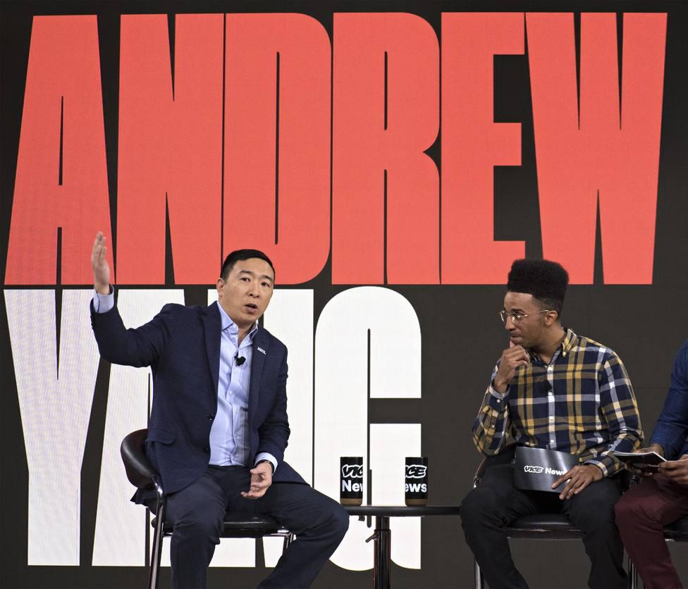 Los precandidatos Andrew Yang y Michael Bennet abandonan la carrera demócrata hacia la Casa Blanca