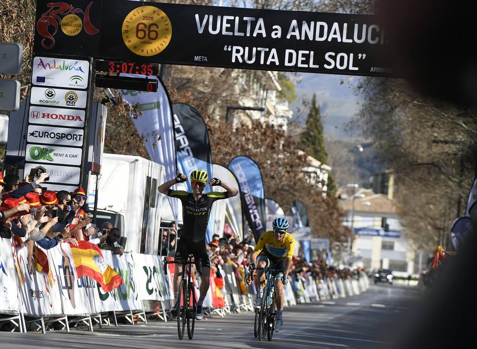 Jack Haig impide una nueva victoria de Fuglsang en Granada