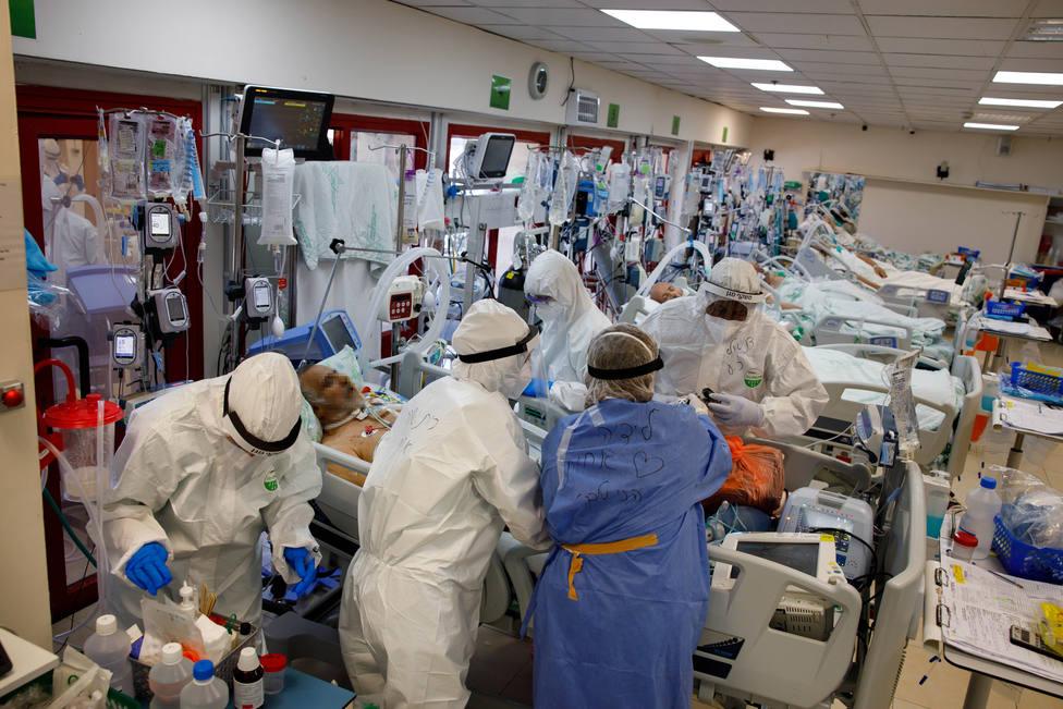Foto de archivo de una UCI perparada para atender a pacientes con coronavirus - FOTO: Europa Press / Ziv Koren