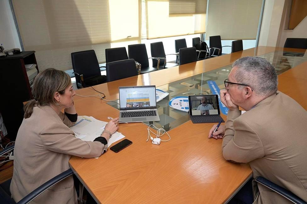 La conselleira de Infraestruturas e Mobilidade, Ethel Vázquez, se reúne con representantes del Grupo Alsa