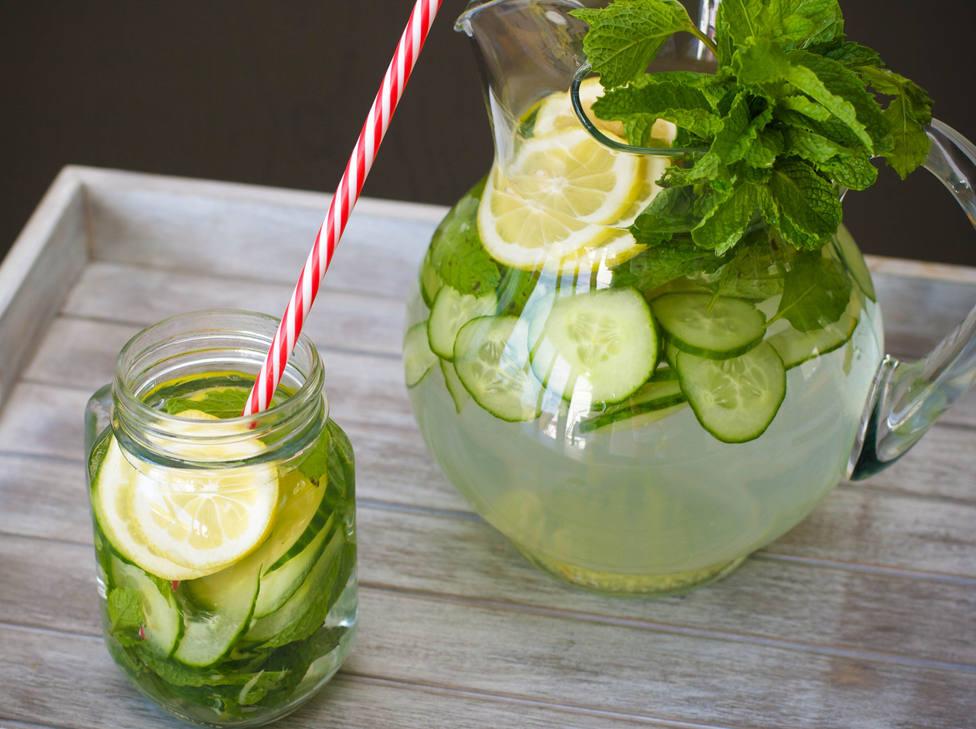 ¿Como preparar el refrescante agua de pepino que mejora tu dieta y tu piel?