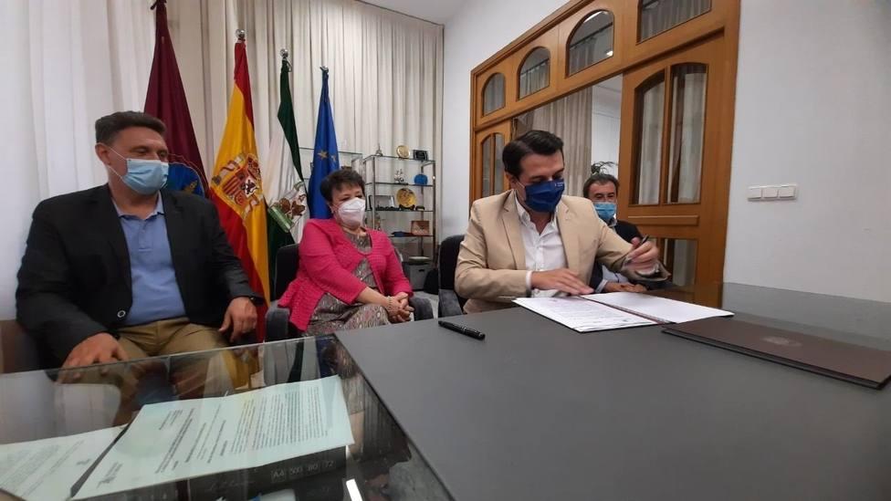 Renfe y Ayuntamiento acuerdan unificar y reducir el precio del billete en Media Distancia Villarrubia-Alcolea