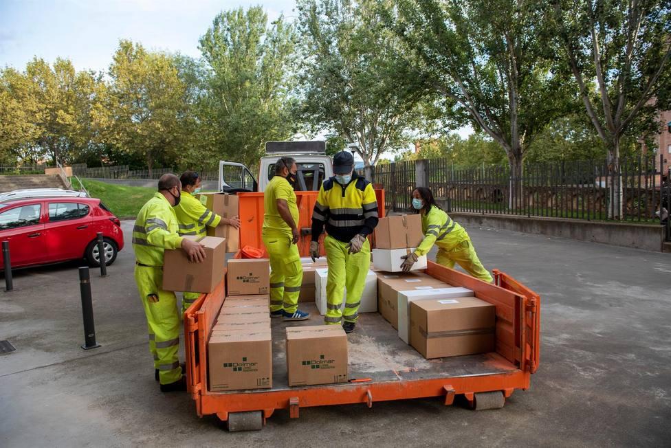 Educación inicia el reparto de 300.000 unidades de materiales de prevención y 10.000 litros de hidrogel
