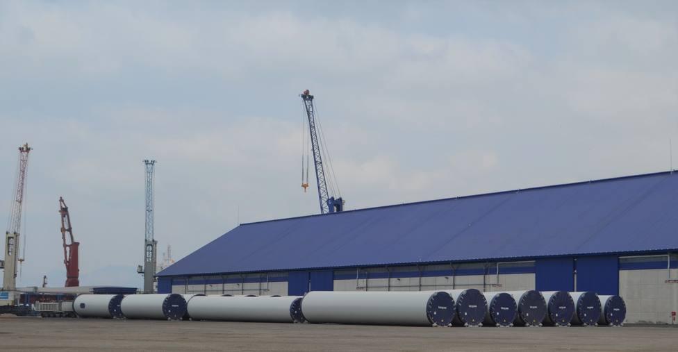 El puerto de Cartagena exporta las mayores palas de aerogeneradores que se fabrican en España