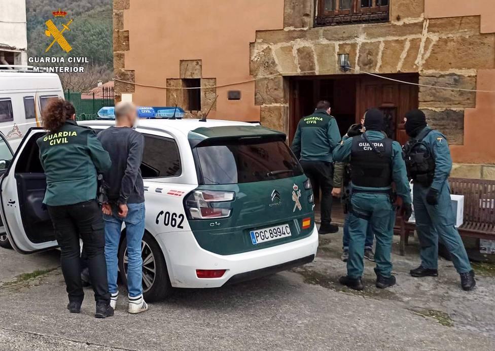 Dos italianos detenidos en Castro por una plantación indoor de marihuana