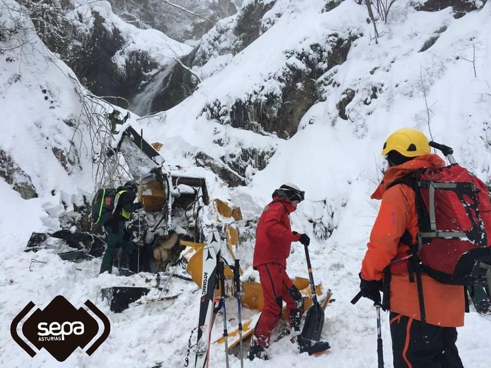 Foto tareas de rescate por alud de San Isidro (SEPA)