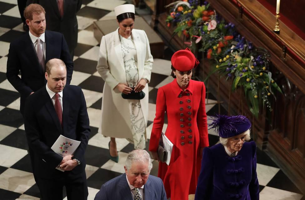 Un hombre extraordinario y de honor: así rinden tributo Guillermo y Harry al duque de Edimburgo