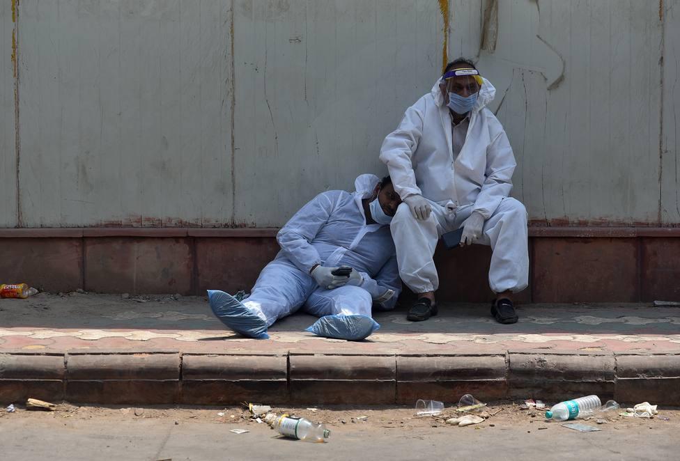 La India marca su récord histórico de contagios: 386.452 nuevos positivos y más de 3.500 fallecidos