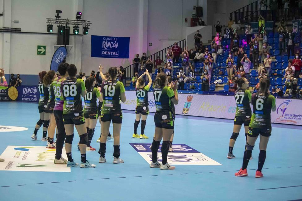 Momento de celebración de las jugadoras en el Ciudad Jardín el sábado.