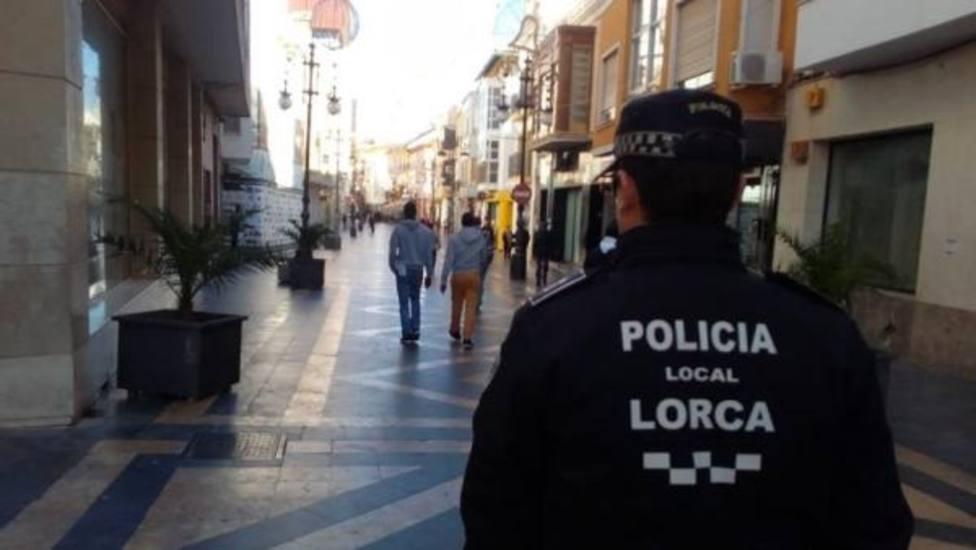 La Policía Local de Lorca detiene a dos personas