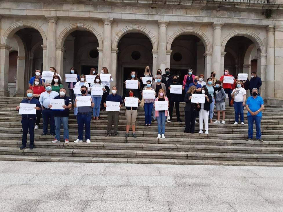 Concentración de trabajadores del concello de Ferrol. FOTO: Cedida
