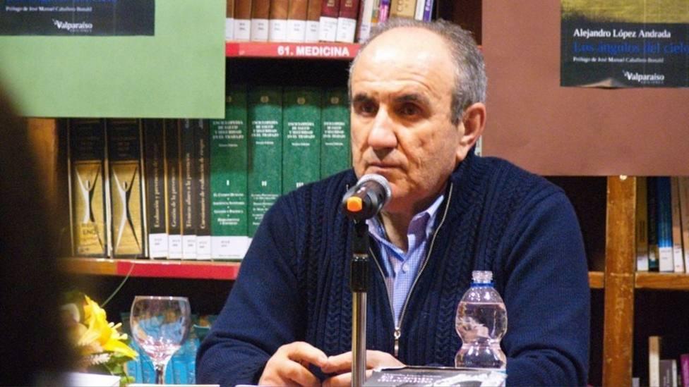 El escritor Alejandro López Andrada narra la desaparición del mundo rural con la obra El óxido del cielo