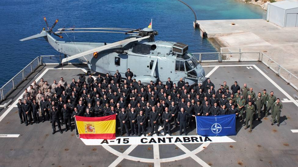 Dotación del buque Cantabria. FOTO: Armada