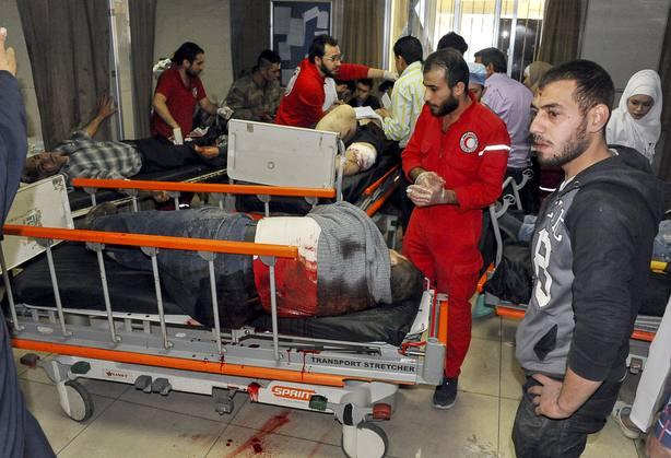 Sirios en hospitales tras supuesto ataque químico