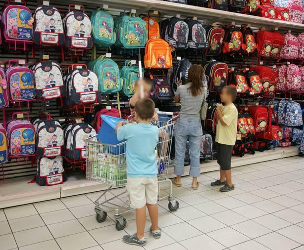 La OCU recomienda ir sin niños a comprar el material de la vuelta al cole
