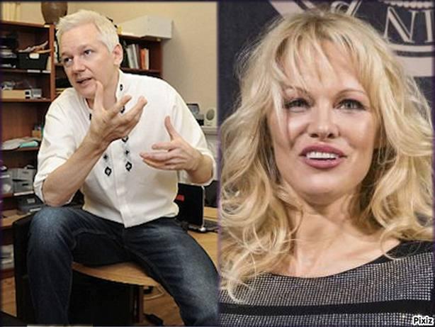 Julian Assange y Pamela Anderson