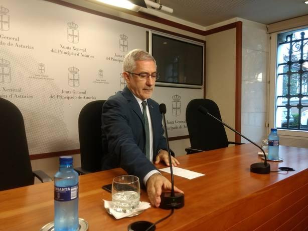 La dirección de IU decide este domingo si sanciona a Llamazares tras constatar que incumplió gravemente los estatutos