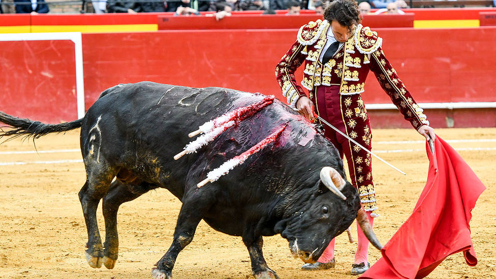 Templadísimo natural lleno de clase de Finito de Córdoba durante su actuación en Valencia