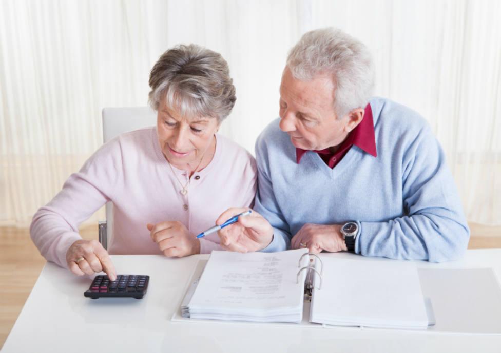 ¿Qué elementos debo revisar principalmente de mis datos fiscales y borrador de declaración?