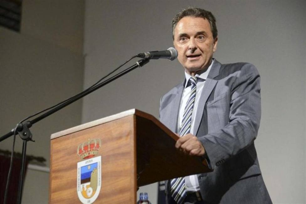 La Policía investiga al alcalde de Torremolinos por reducir la jornada de los funcionarios