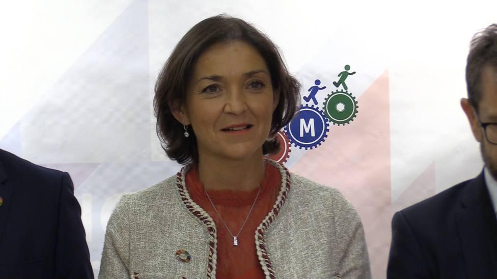Maroto reafirma el compromiso del Gobierno con la reindustrialización del entorno de Garoña