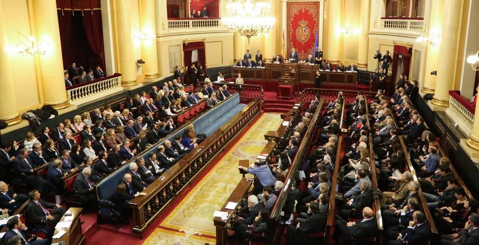Los electores eligen 208 de los 265 senadores, con la incógnita de si se aprovecharán las listas abiertas