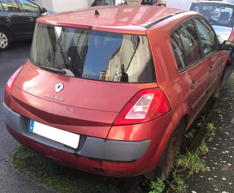 Algunos vecinos habían denunciado el estacionamiento del vehículo - FOTO: Tráfico Ferrolterra
