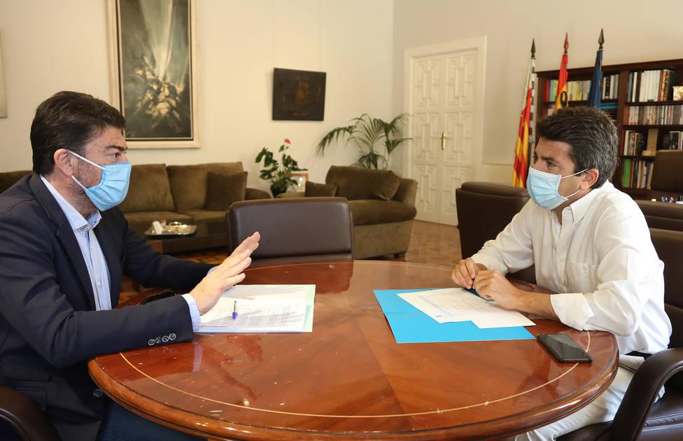 Reunión entre el Presidente de la Diputación Carlos Mazón y el alcalde de Alicante Luis Barcala (Diputacion)