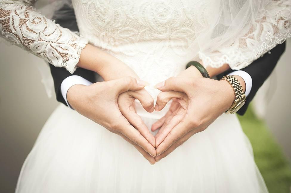 Una mujer recibe la invitación de boda más surrealista: atento a los requisitos