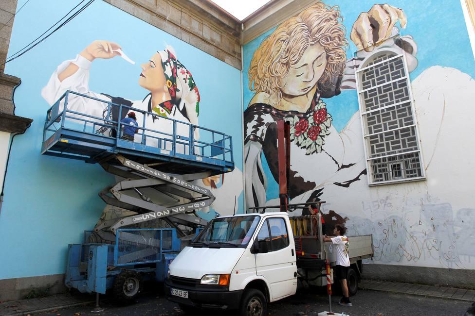 Uno de los murales de gran formato pintado este fin de semana en Canido - FOTO: EFE / Kiko Delgado