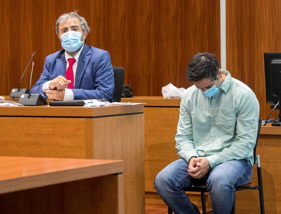 Expulsan a un miembro del jurado en el juicio contra Víctor Laínez
