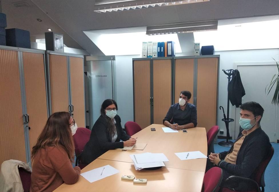 Julián Reina se reunió con miembros del Colegio de Arquitectos de Ferrol. FOTO: Concello de Ferrol