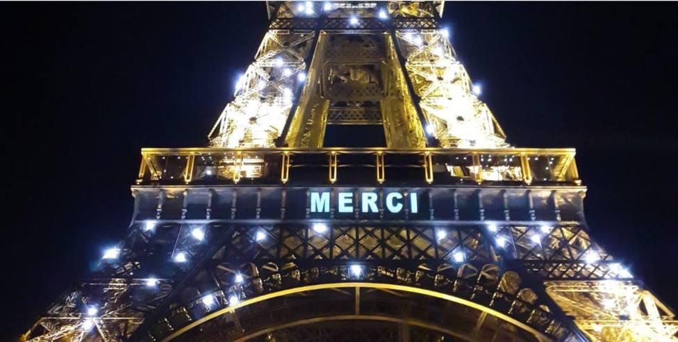 Un tramo original de la Torre Eiffel se subasta en París