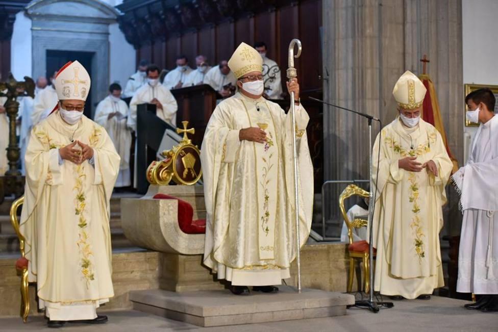 Obispo de la Diócesis de Canarias, Monseñor José Mazuelos