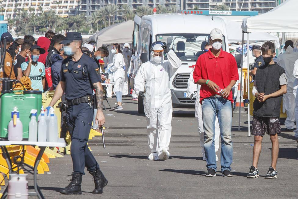 Once terroristas encarcelados han entrado en España entre migrantes desde el año 2018, según el Gobierno
