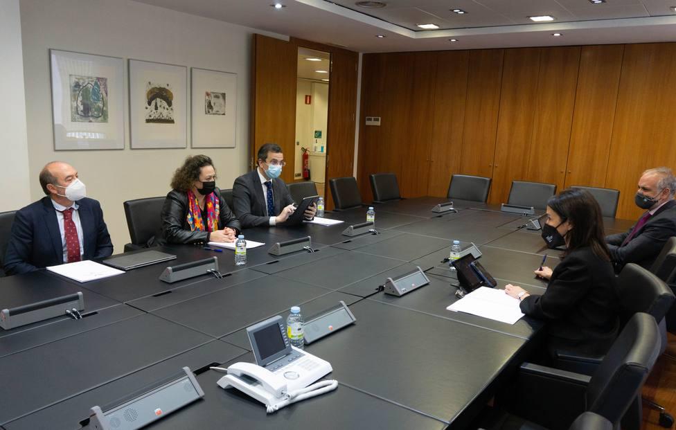 APC y ADIF acuerdan impulsar inversiones para la intermodalidad en el Puerto de Cartagena