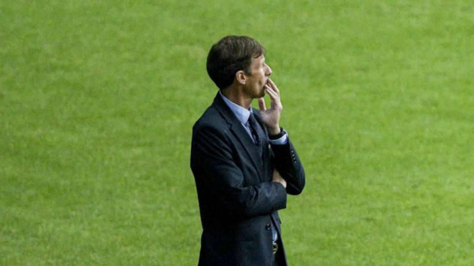 Ziganda, en el banquillo durante un partido del Oviedo