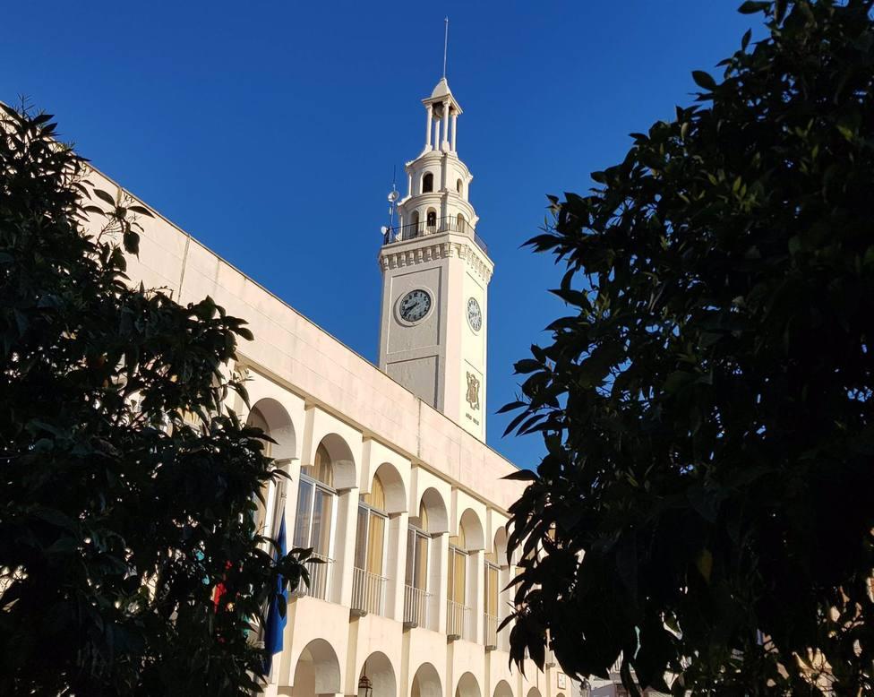 El Ayuntamiento de Lucena busca relojero para su reloj centenario