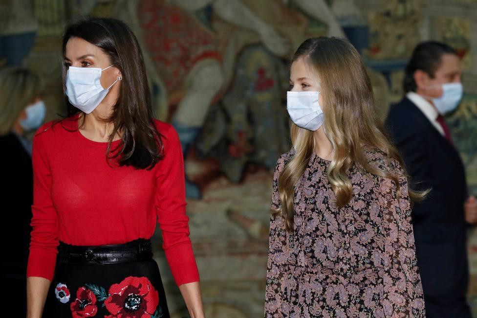 La reina y la princesa Leonor se vacunan contra la covid-19