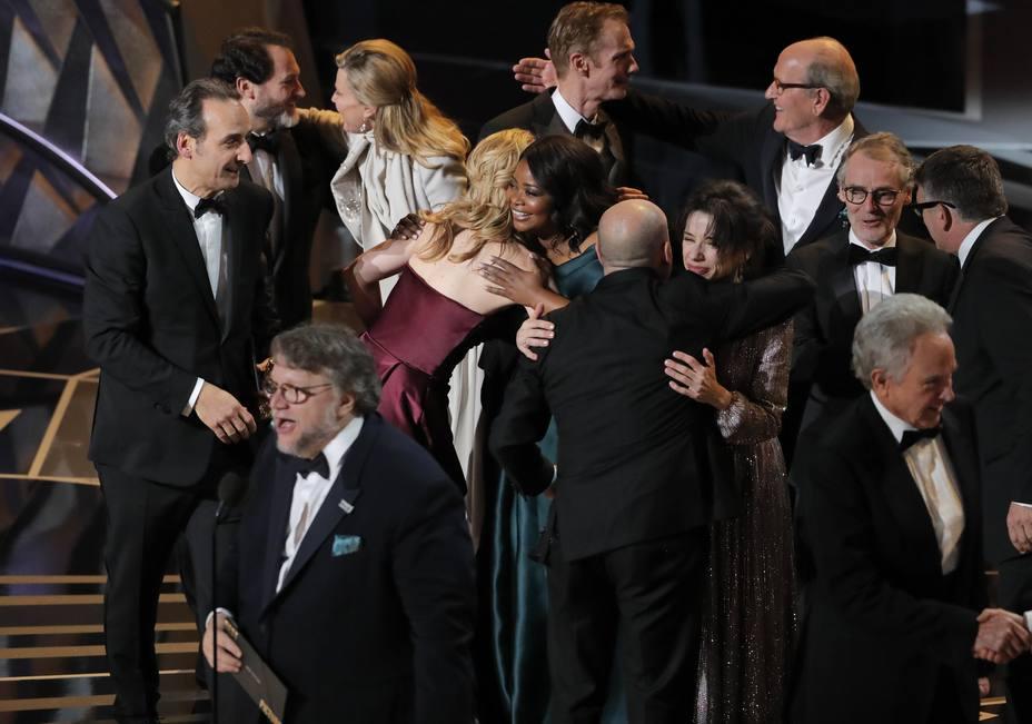 Guillermo del Toro recoge el Oscar a mejor película por La forma del agua