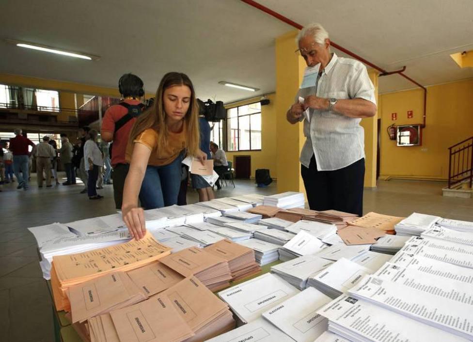 El PSOE sigue liderando la intención de voto, según un nuevo sondeo