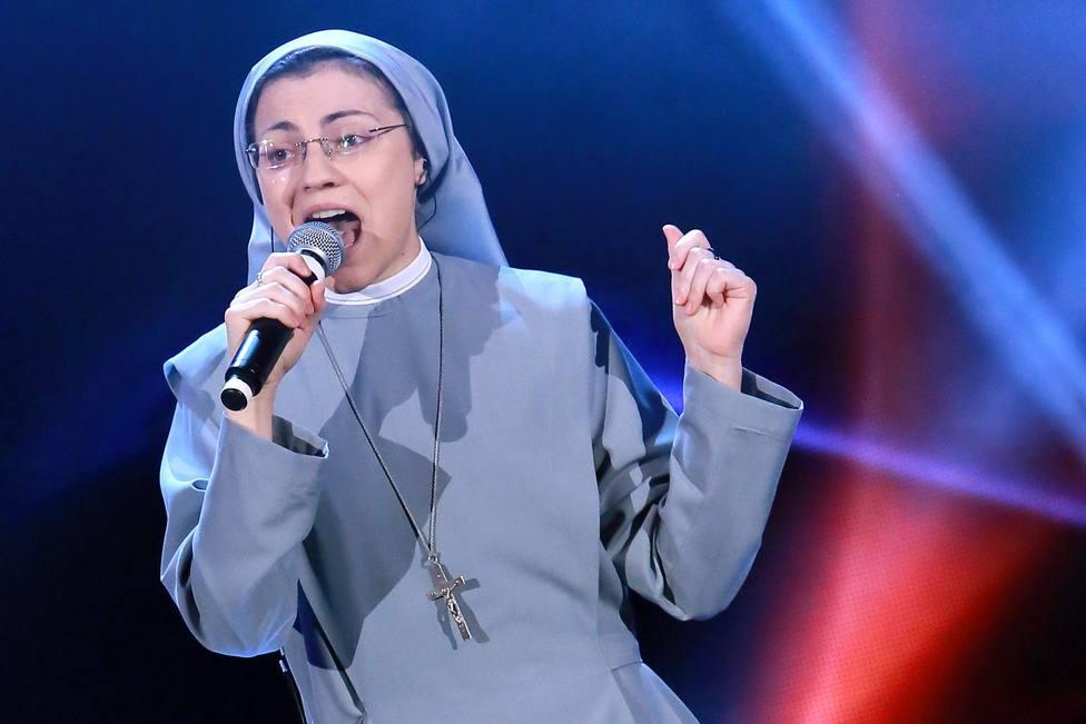 Sor Cristina, la monja que ganó La Voz, hace la profesión perpetua