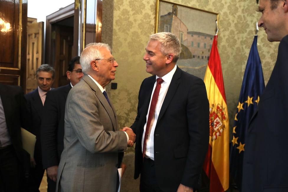 El ministro británico para la Salida de la Unión Europea ha asegurado que los lazos con España se mantendrán