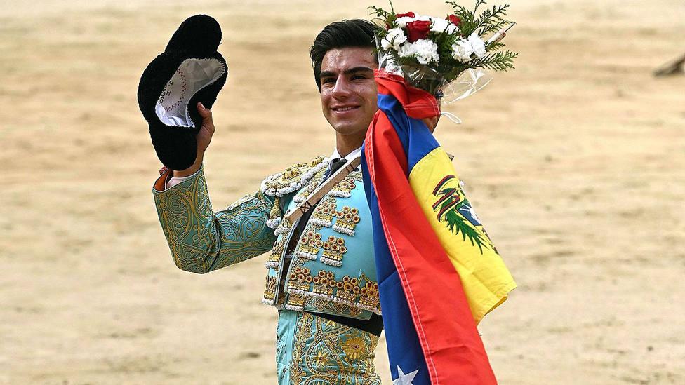 Jesús Enrique Colombo con la oreja cortada este sábado en la plaza de toros de Las Ventas